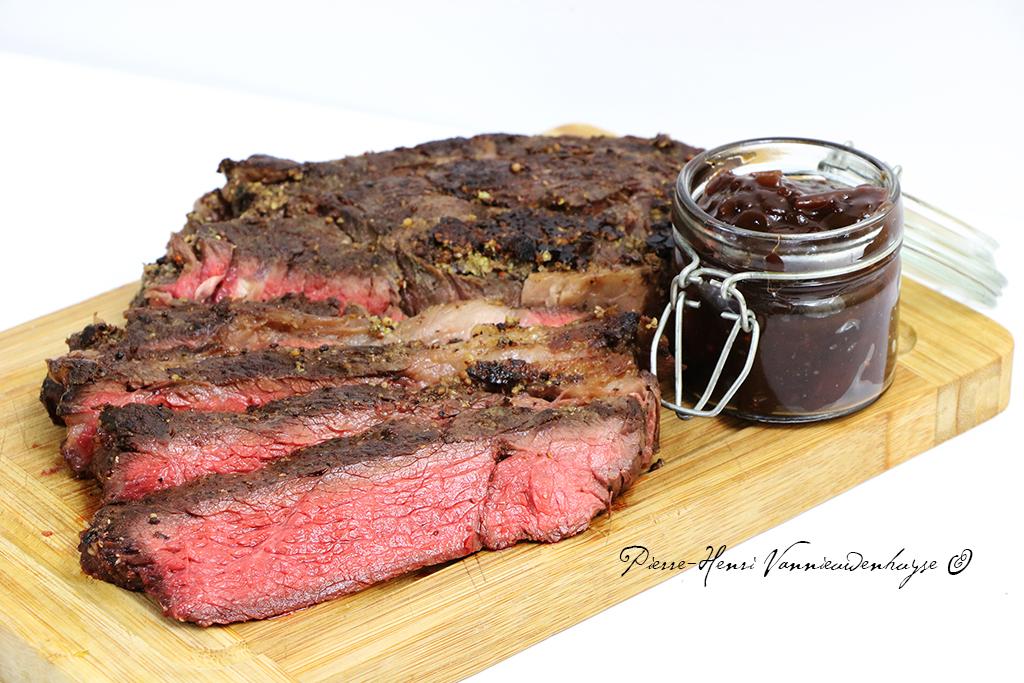 recette de basse c te de boeuf grill e sauce barbecue au. Black Bedroom Furniture Sets. Home Design Ideas